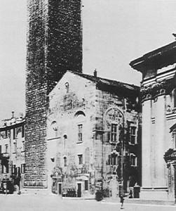 La prima sede della Croce Bianca - Palazzo del Broletto (1891 c.a.)